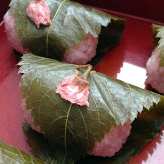 Sakuramochi (Kansai style, Doumyouji, Rice cake with anko paste wrapped in a cherry blossom leaf)