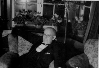 Photo: Grandfather Langenkampweg 120 Driene