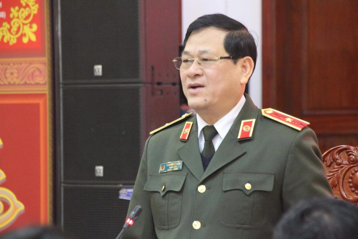 Đồng chí Thiếu tướng Nguyễn Hữu Cầu, Giám đốc Công an tỉnh chỉ đạo cuộc họp