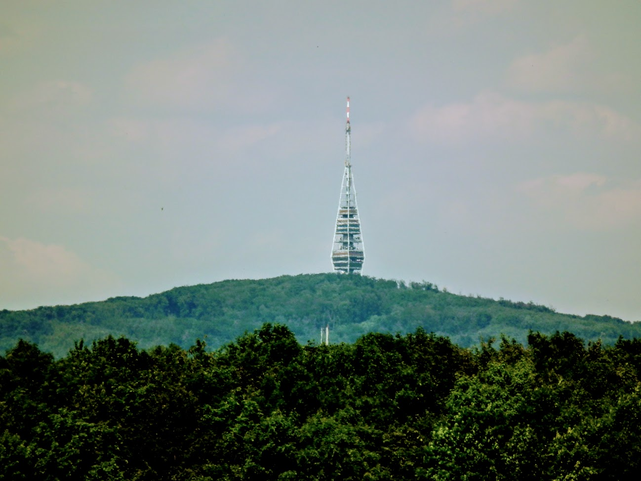 Bratislava/Kamzík - TV-URH gerincadó állomás