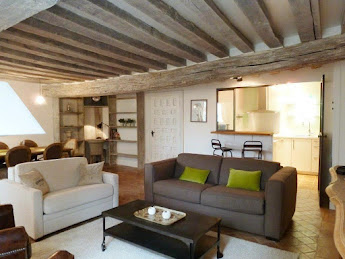 Perfectly located 1 bedroom in the heart of Latin Quarter