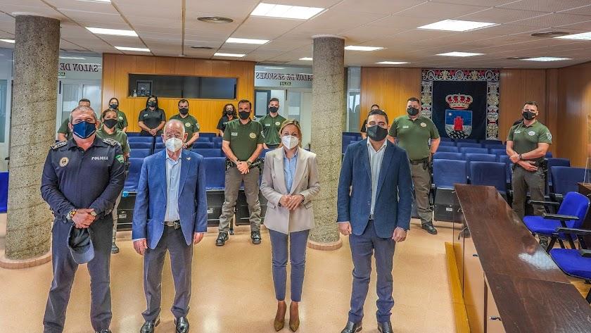 El acto de bienvenida a los trece nuevos trabajadores.