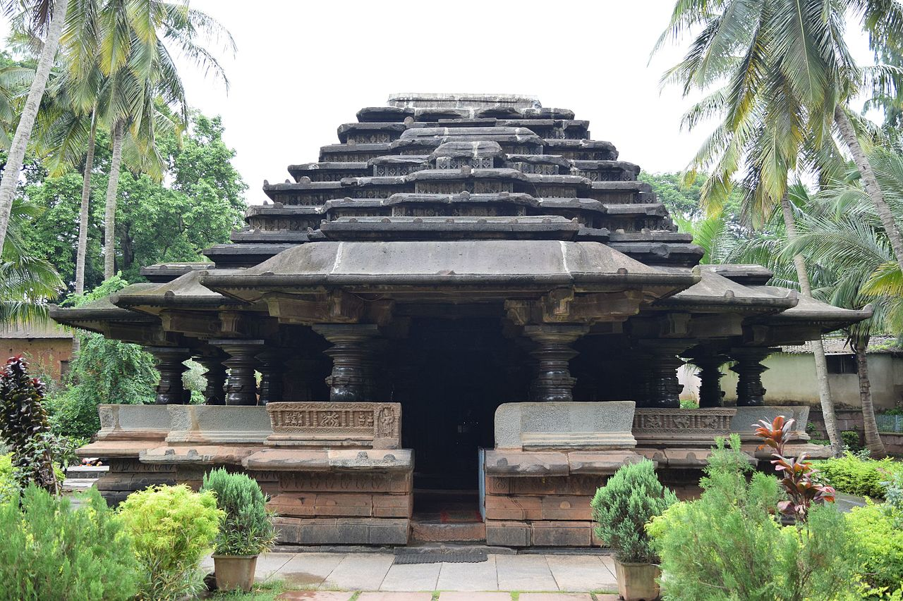 This picture contains Kamal Basti temple located in Belgaum/Belagavi Fort