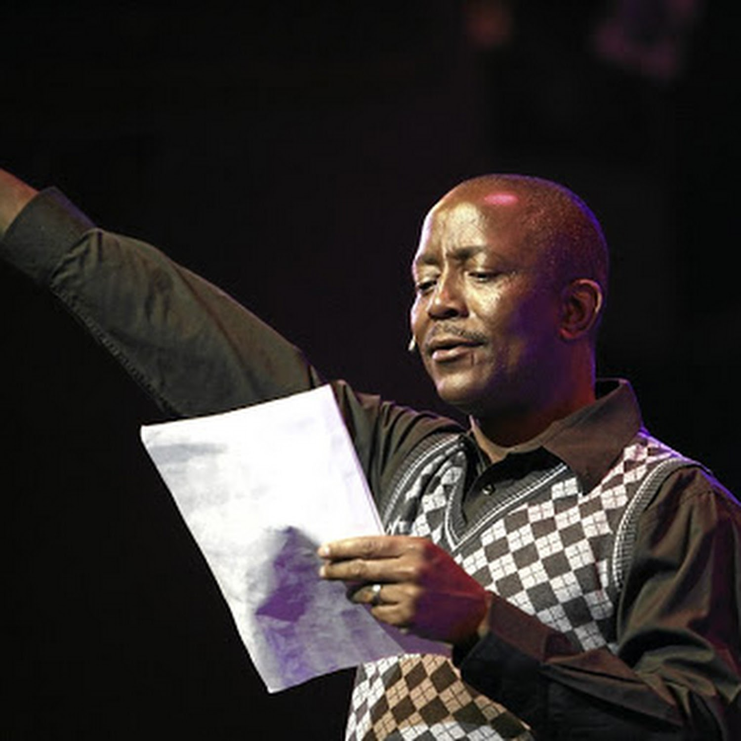 Actor Peter Mashigo fired from The Throne for abusing lover