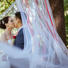 Wedding photographer Natalya Denisova (DeNata). Photo of 05.10.2015