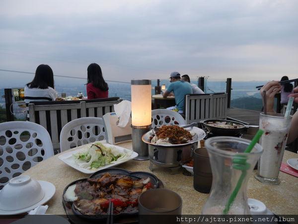 草山夜未眠 到陽明山看夜景又能吃美食