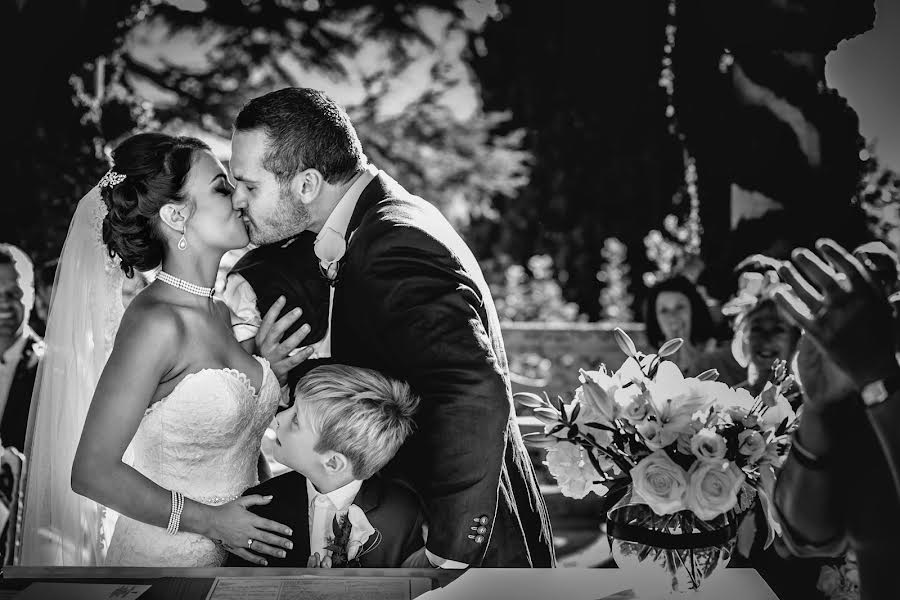 Wedding photographer Cristiano Ostinelli (ostinelli). Photo of 27.11.2016