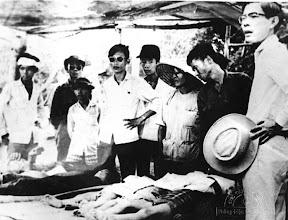 Photo: Terrorist Communists attacked Thanh My Village (Quang Nam province) and killed many Vietnamese women and children in May 1970. http://www.vietnam.ttu.edu/virtualarchive/items.php?item=VA056318 Cộng sản khủng bố tấn công Thanh Mỹ Village (Quảng Nam). Giết chết nhiều phụ nữ và trẻ em Việt Nam tháng 5 năm 1970.