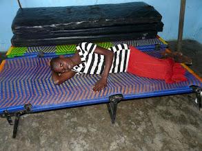 Photo: offerts l'an passé par le CTM, ces lits confectionnés au pays, sont précieux pour les enfants qui se souillent