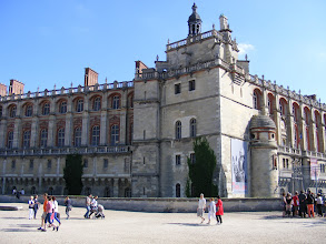 Photo: The town's dominant historical structure is the massive château, parts of which date back to 1539, and the birthplace of Louis XIV in 1638 (the reason the town's coat of arms shows a cradle and this date).