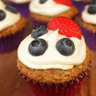 "Healthy Strawberry Banana ""Cupcakes""."