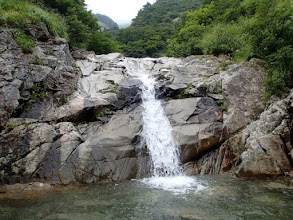 Photo: 7×15mナメ滝はどちら側でも登れる