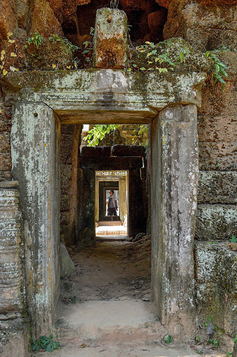 cambodia-angkor-entrance-2.jpg - The architectural perfection of doorways at Angkor Wat.