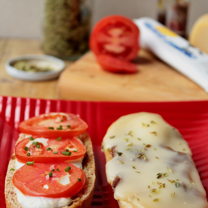 Cheese Bruschetta and Caramelized Onions Recipe