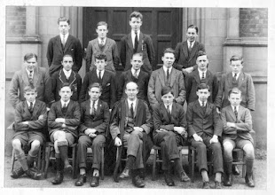 Photo: Old Class Photo 02 (Year Unknown)