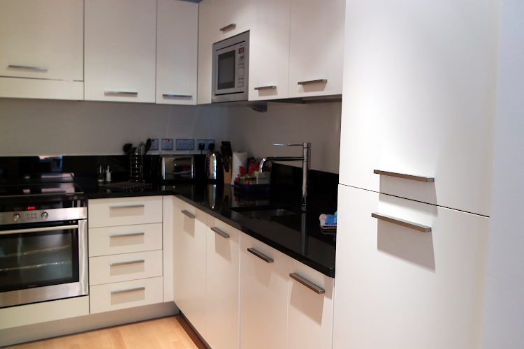Fully equipped kitchen at High Timber Street Apartments