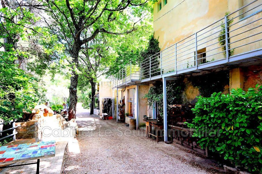 Vente propriété 20 pièces 400 m² à Apt (84400), 735 000 €