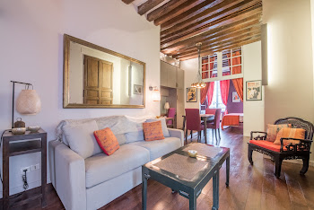 Rue Turenne Chateau Serviced Apartment, Marais
