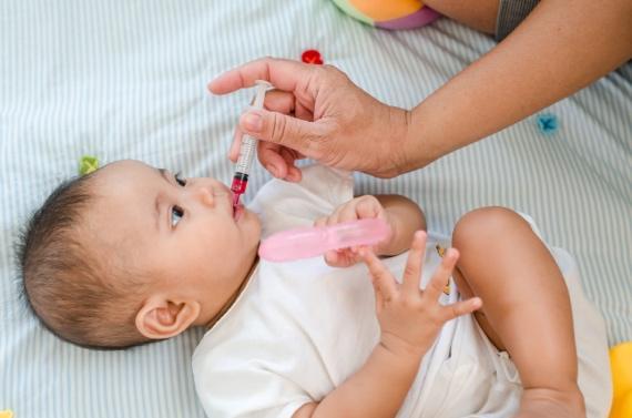 常見的BB發燒處理方法就是依靠藥物