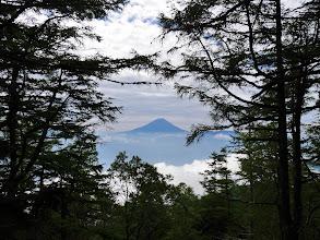 山頂から富士山を望む
