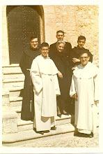 Photo: Los 5 hermanos Tena, con su madre. Las otras 5 hermanas son monjas Clarisas en el convento de Cantalapiedra (Salamanca)