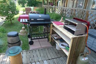 Photo: 19.7.2015: ir sind jetzt eine woche im lido - es ist heiß, aber super zum baden - hermann hat sich einen grilltisch gebastelt