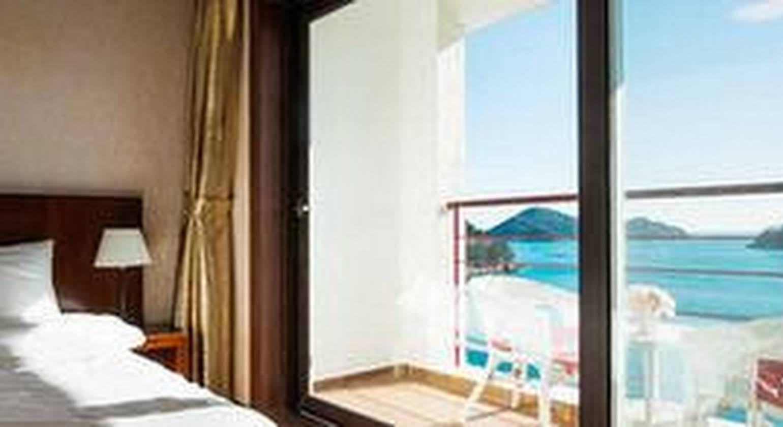C1 Resort