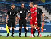 Jordan Henderson moest al in de eerste helft naar de kant in de Merseyside derby