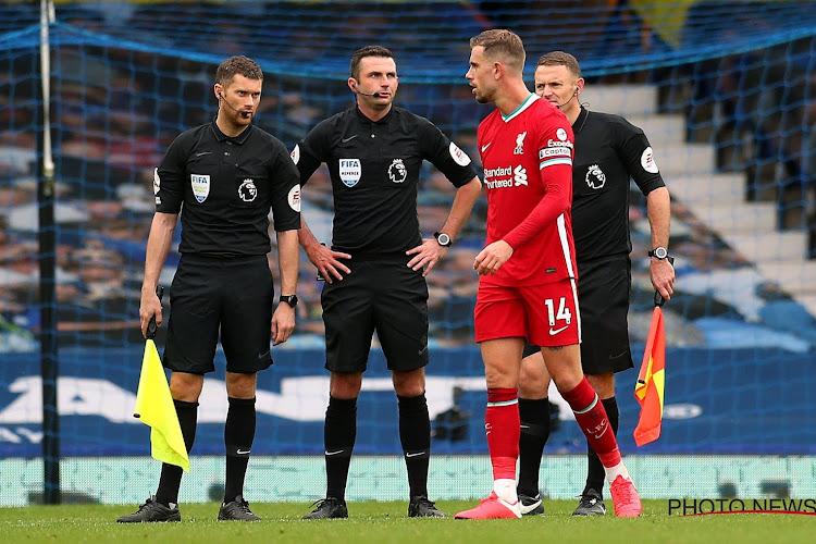 """🎥 Liverpool-aanvoerder Jordan Henderson bijt van zich af na nieuwe discutabele ingreep: """"Ik speel liever zonder VAR"""""""