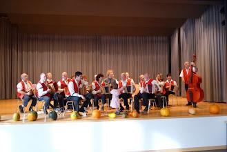 Photo: Die Allerkleinste schon auf der Bühne / Tochter von Simon Dettwiler