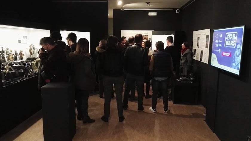 Visita guiada a la exposición de coleccionismo 'Star Wars from Almería'.