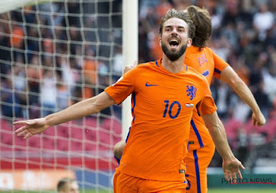"""Marco van Basten steekt lof niet onder stoelen of banken voor deze middenvelder: """"Hij is van gelijke soort als Frenkie de Jong"""""""