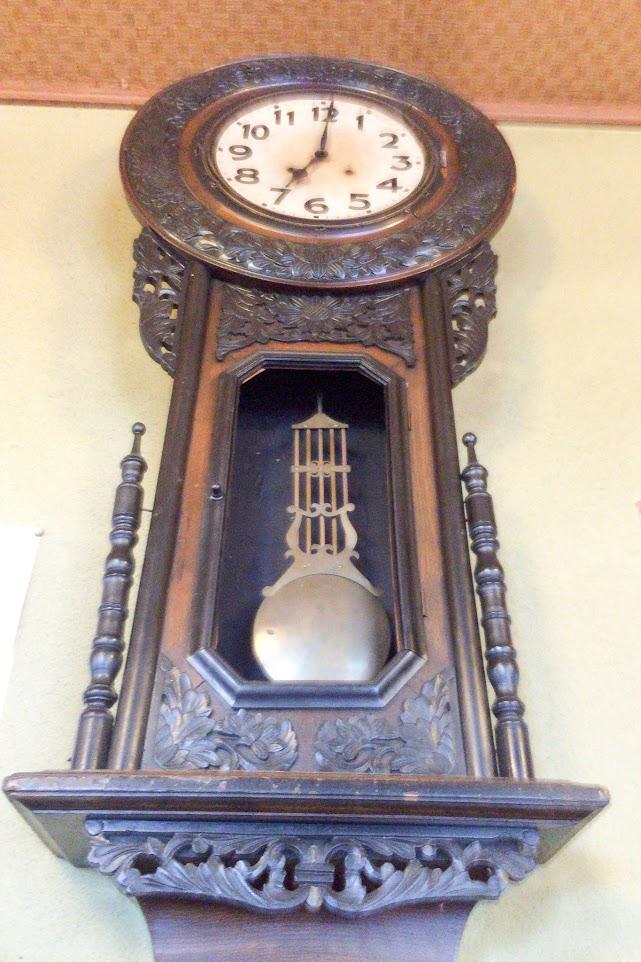 歴史を刻む古時計
