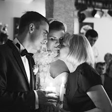 Wedding photographer Mila Zvereva (Zvereva). Photo of 20.12.2013