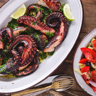 Greek-style Octopus recipe (Xtapodi).