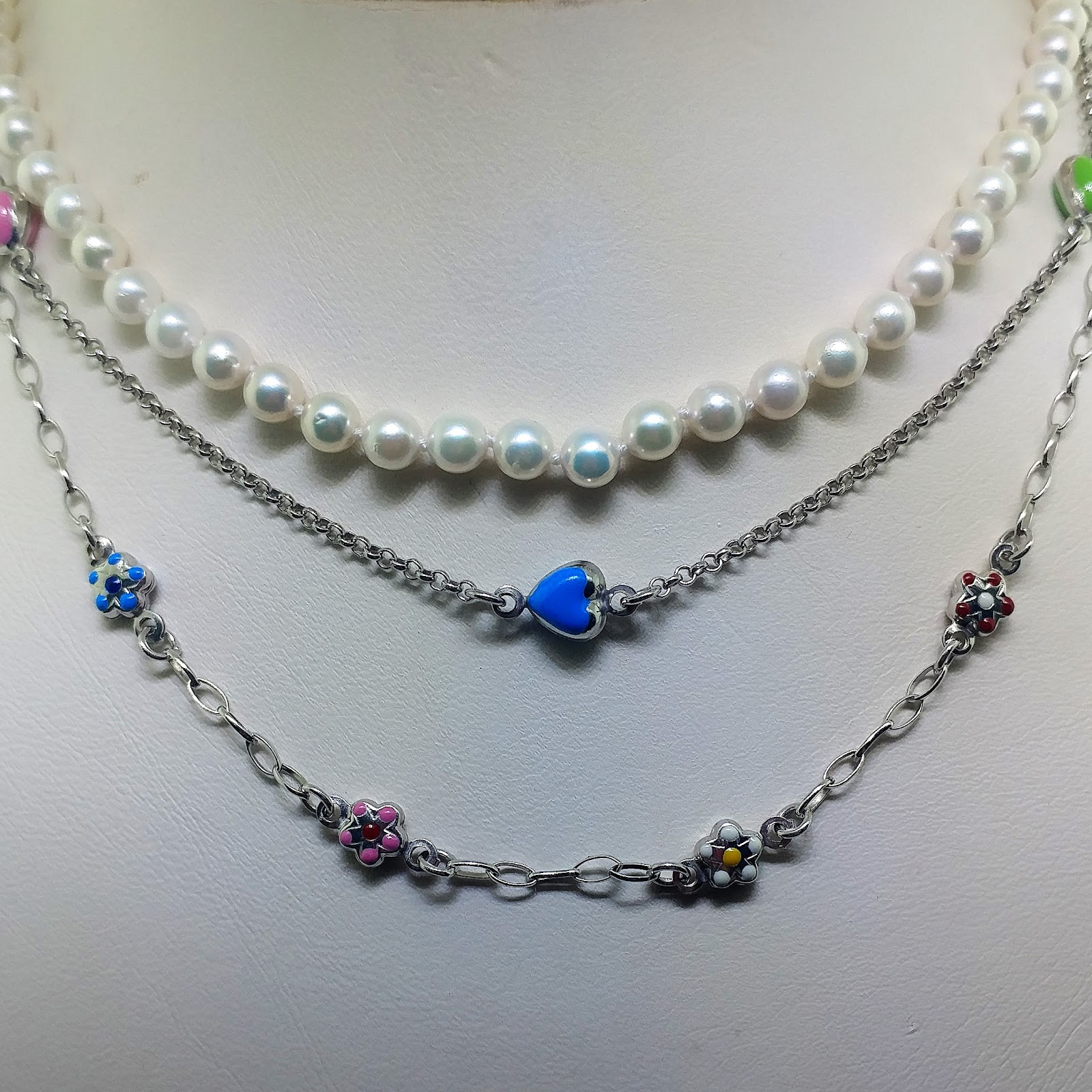 126ee930b When purchasing your child's first necklace, it is important to talk to  them about the risks of playing with necklaces. Also, you should always  check and ...