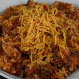 American Chop Suey (Macaroni and Beef) Slow Cooker.