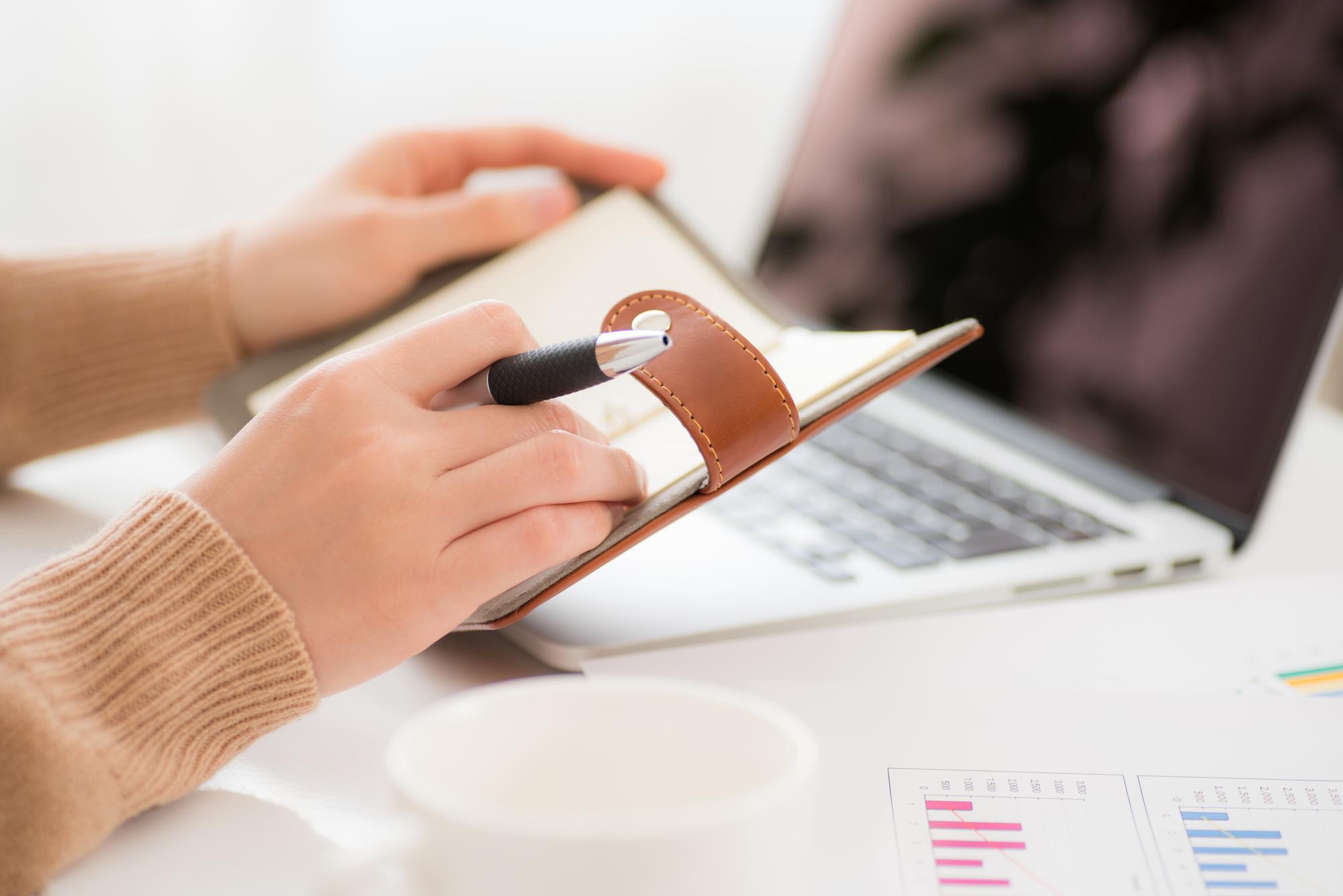 【業界研究】化粧品業界でよく使う用語「チャネル」の意味と働く環境の違い