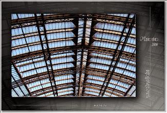 Foto: 2007 07 11 - R 06 09 10 062 d0 - P 014 - Das Dach der Bahn