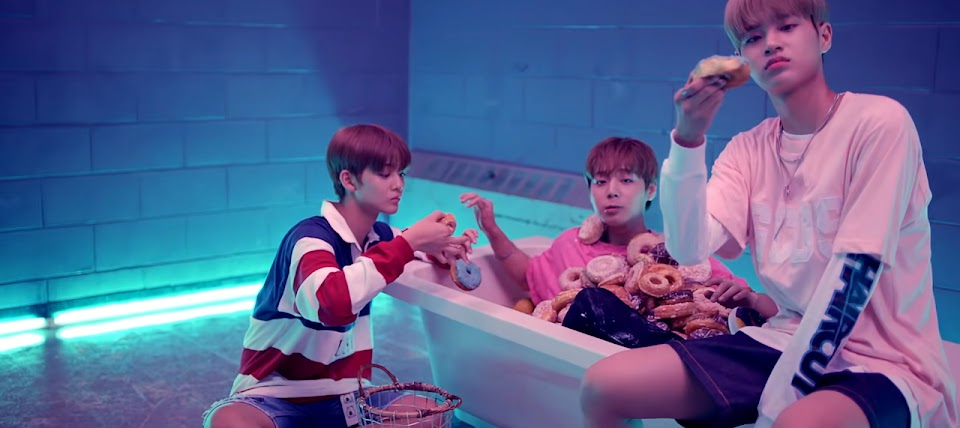bathtub - wanna one energetic