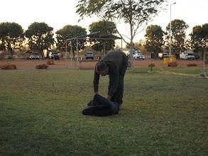 Photo: 7:29 Uhr: Zelt verpacken geht zu so früher Stunde...
