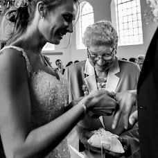 Wedding photographer Louise van den Broek (momentsinlife). Photo of 20.05.2018