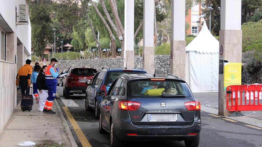 Autocovid en la Bola Azul de Almería.