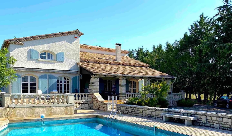 Maison avec piscine et jardin Barjac