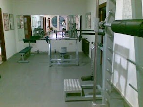 Photo: �Hay futgol o algo this evening?, all the gym only for me, great!!