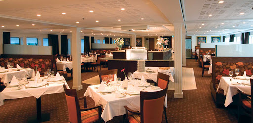 amadante-restaurant.jpg - Enjoy regional specialties and take in the sights from the main restaurant on AmaDante.