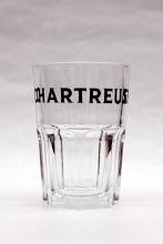 Photo: Verre 'Granity', contenance 35 cl.  Il est utilisé dans les bars ( de Bruxelles par exemple) pour le cocktail Chartreus'ito et également pour le Chartreus'ina (Barcelone).