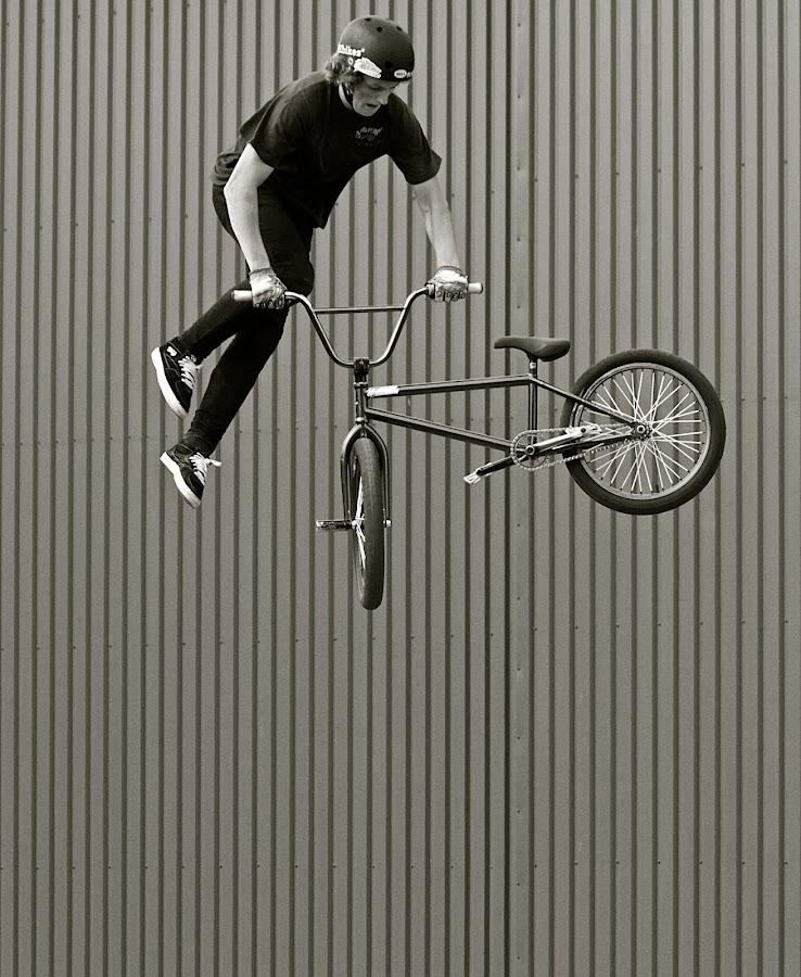 a long way down by David Walker - Sports & Fitness Cycling ( saffi9 bmx,  )