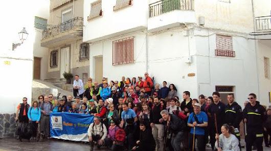 Diputación reúne a 79 senderistas en una atractiva ruta por Sierro