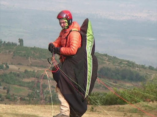 We'll keep on flying despite death risks, say paragliders